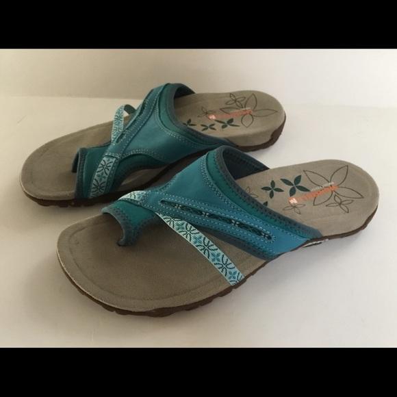 merrell sandals size 7 11